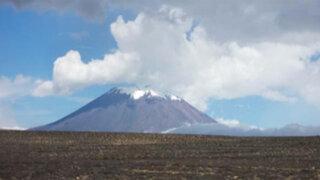 Advierten que volcán Sabancaya también podría iniciar actividad eruptiva