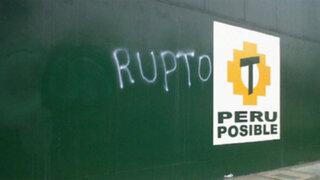 Jesús María: Desconocidos pintarrajearon local central de Perú Posible