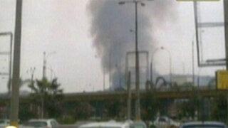 Incendio de gran magnitud consumió fábrica en San Martín de Porres