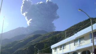 Ceniza del volcán Ubinas llegaron hasta la ciudad de Arequipa