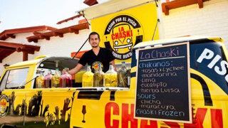 'La Combi Pisquera' recorre las calles limeñas preparando espectaculares tragos