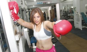 Denuncian irregularidades en pelea de Linda Lecca y alistan revancha