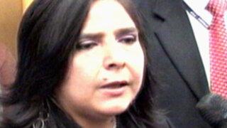 Ministra Ana Jara visitó al niño que fue aplastado por tobogán en Carabayllo