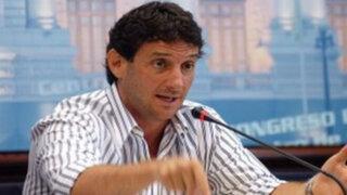 Congresista Regiardo pedirá al Estado se reúna con Burga por crisis en el fútbol