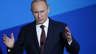 Vladimir Putin desafía al mundo y visita la anexada república de Crimea