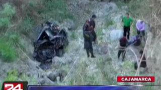 Cajamarca: profesor y fiscal mueren tras despistar su vehículo a un abismo