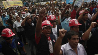 Cañete: manifestantes de la CGTP asaltan choferes en Panamericana Sur