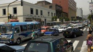 Pese a reforma del transporte, caos vehicular se intensifica en Av. Abancay