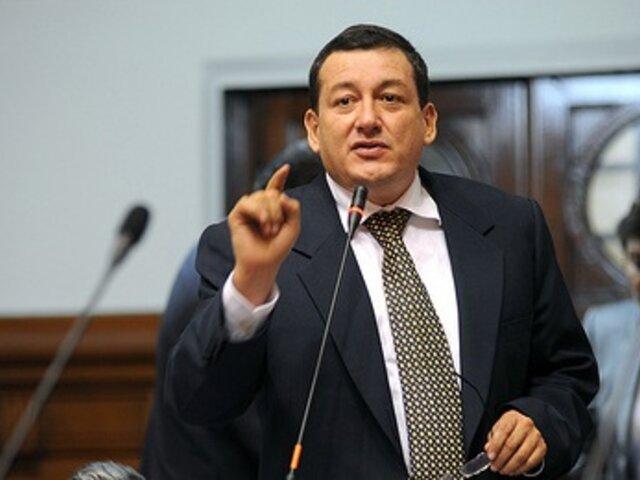 Congresista Rolando Reátegui sufrió aparatoso accidente vehicular en Tarapoto