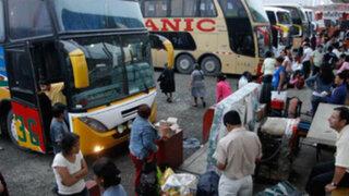 Pese a fiscalización pasajeros denuncian caos en terminal terrestre de Fiori