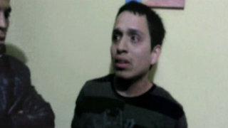 VIDEO: capturan infraganti a pedófilo mientras seducía a niña en su propia cama