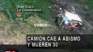 La Convención: camión se despista a un abismo de 200 metros y deja 30 muertos