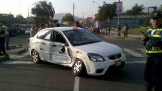 Chofer de taxi impactado por patrullero inteligente exige reparación