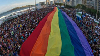 VIDEO: miles de personas toman playas de Copacabana para celebrar Orgullo Gay