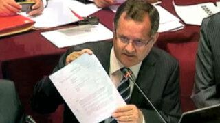Congresista Falconí no participará en elecciones, parlamento rechazó su renuncia