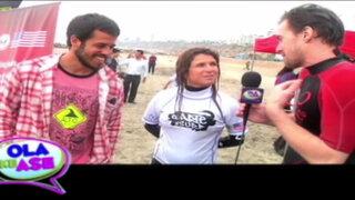 Campeona Sofía Mulanovich lleva clases de surf a niños de bajos recursos
