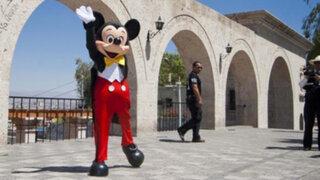 Polémica por homenaje a Mickey Mouse en la Municipalidad de Arequipa