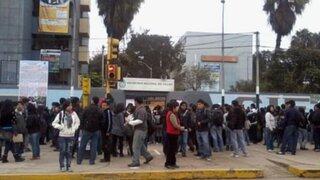 Alumnos toman Universidad del Callao en protesta por elecciones irregulares