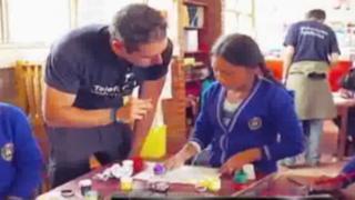 Alegrando Huancayo: extranjeros realizan talleres para llevar alegría a escolares