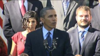 VIDEO: Barack Obama evitó que mujer embarazada se cayera al desmayarse