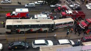 Breña: choque entre cúster y ambulancia en la Av. Brasil deja siete heridos