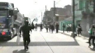 Noticias de las 7: Movadef y Patria Roja agreden a la Policía en La Cantuta
