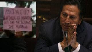 """Gritan """"ladrón, corrupto y mentiroso"""" a Toledo a su salida del Congreso"""