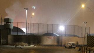 Incendio se desató en almacén del Ministerio del Interior en el Callao