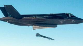 Armada estadounidense lanza con éxito su primera bomba 'inteligente'