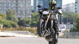 Proyecto de ley prohíbe conducir motos lineales con acompañantes