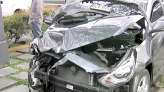 Camioneta que llevaba a mujer embarazada impacta contra Heladeria 4D