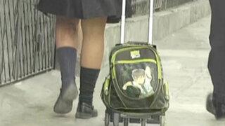 Acusan a chofer de movilidad escolar de hacer tocamientos indebidos a niña