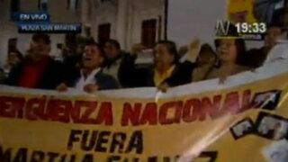 Agreden a Rocío Silva Santisteban en plantón contra Martha Chávez