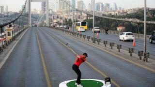 Jugador de golf realizó lanzamiento de una pelota desde Asia hasta Europa
