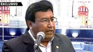 De préstamos y saldos: una más del parlamentario Alejandro Yovera