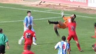 España: Arquero salvó a su equipo con impresionante chalaca en el último minuto