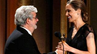 Hollywood galardonó a Angelina Jolie con Óscar honorífico por su labor humanitaria