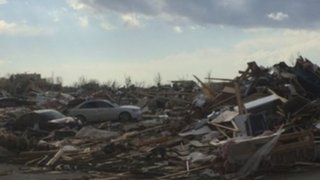 Estados Unidos: cerca de 80 tornados dejan 6 muertos y 55 heridos
