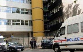 París: encuentran a pareja de ancianos sin vida y tomados de la mano en su cama