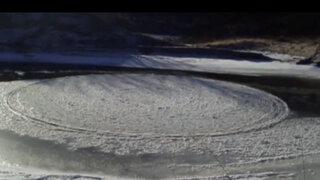 VIDEO: enorme disco de hielo misteriosamente gira sin par en río de EEUU