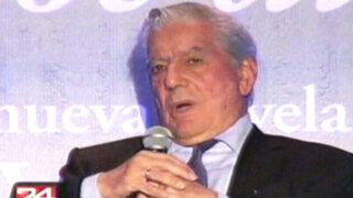 Mario Vargas Llosa presentó su libro 'El héroe discreto' en México