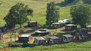 VIDEO: Shanty Town, el hotel donde los ricos juegan a ser pobres