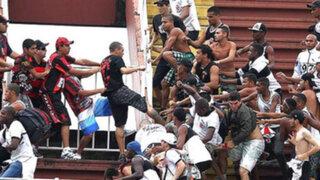 Brasil: un muerto y cuatro heridos tras batalla campal entre hinchas en estadio