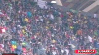 Sudáfrica le da el último adiós a 'Madiba' entre cánticos y bailes