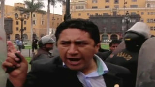 Presidente Regional de Junín detenido tras violenta protesta en Plaza de Armas