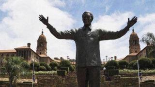 Inauguran estatua de nueve metros de altura en honor de Nelson Mandela