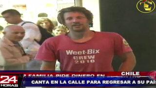 Hombre checo intenta regresar a su país cantando en las calles de Chile