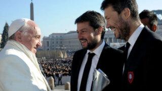 Noticias de las 7: Marcelo Tinelli entregó copa de San Lorenzo a Papa Francisco