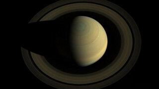 FOTOS: Nasa difundió primeras imágenes a todo color de Saturno y sus lunas