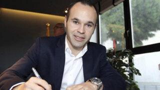 Andrés Iniesta se convirtió en empleado de Sony y fue vendedor de celulares por un día